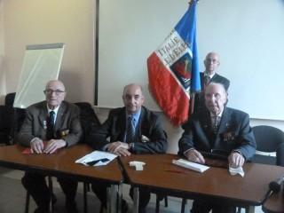 M. Hervé Gourio, directeur de l'ONAC entouré de Michel Serves et Jean de Miol Flavard en compagnie du porte drapeau M. Lacheny